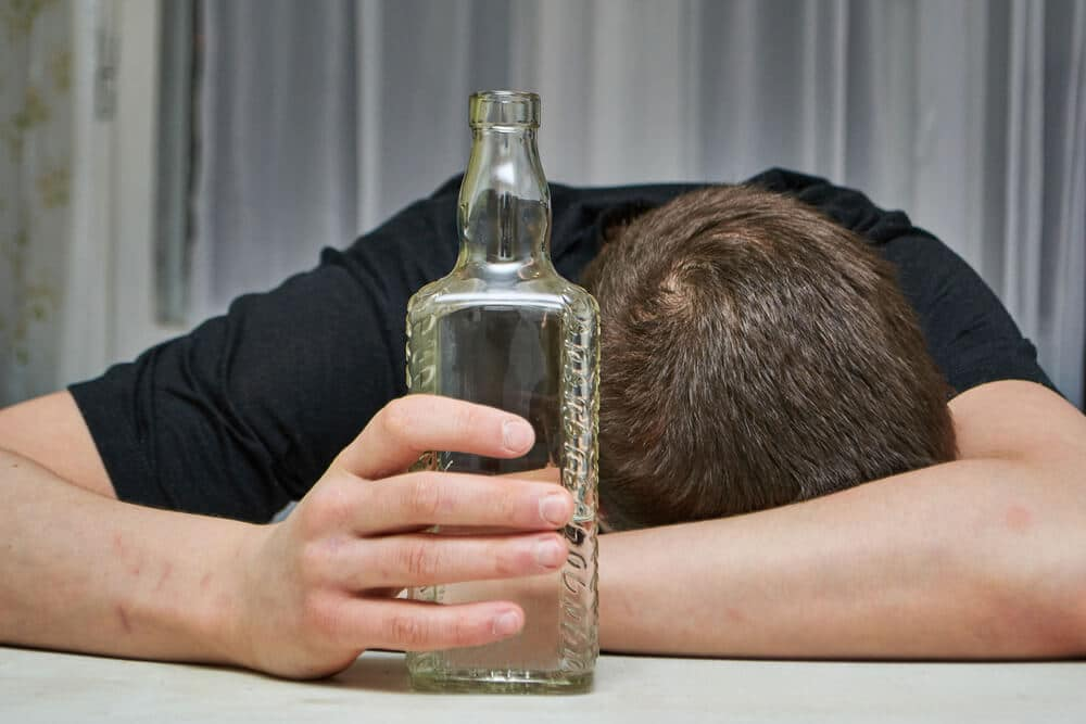Learn How to Identify Alcohol Poisoning Symptoms